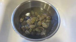 First wash the clams really, really, really well